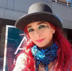 Lola Karakola