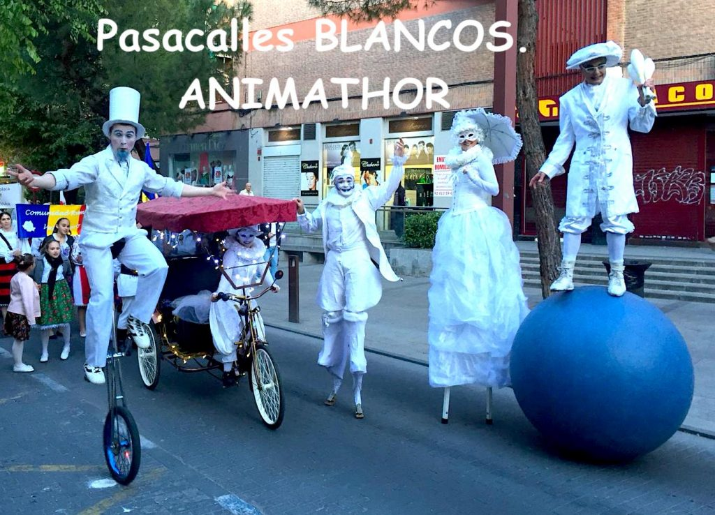 pasacalles-blanco-Animathor Fiestas del Carmen 2019